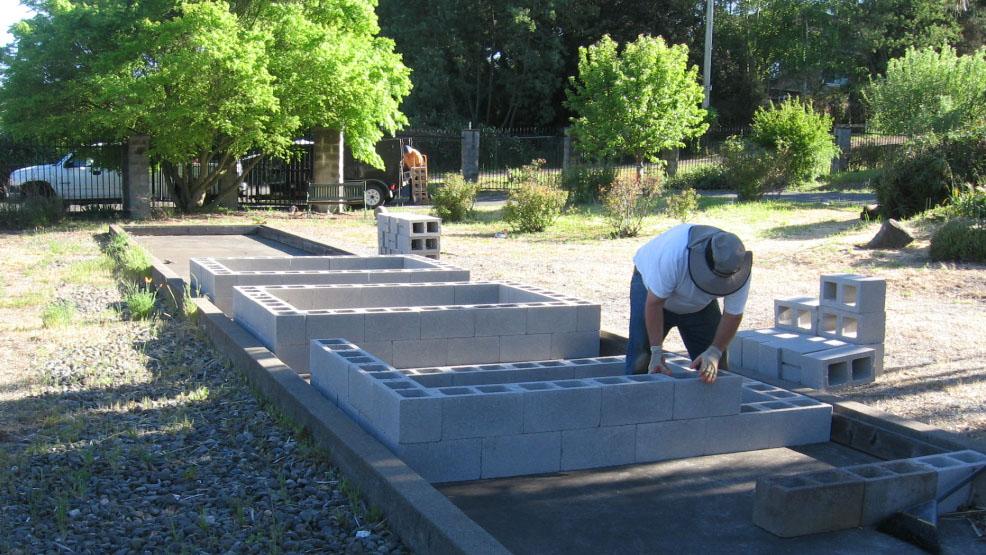 John Building Beds